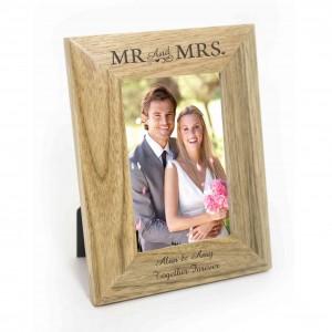 Mr & Mrs 6x4 Wooden Photo Frame