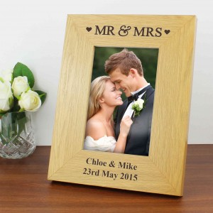 Oak Finish 6x4 Mr & Mrs Photo Frame
